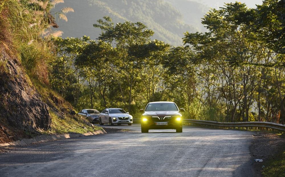 Các tài xế cần lưu ý chọn số phù hợp khi lái xe số tự động đường đèo để đảm bảo an toàn