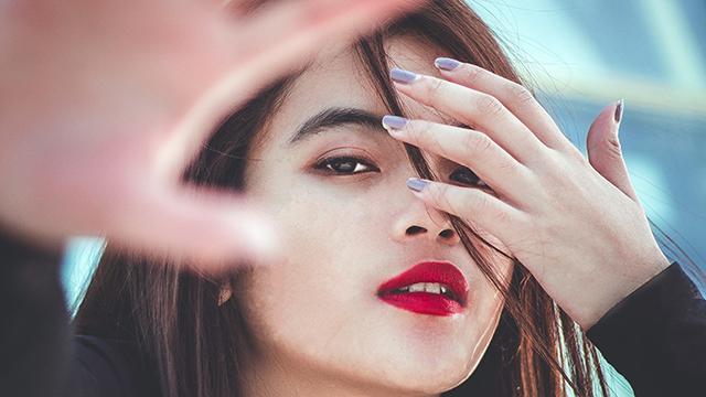 cara_memerahkan_bibir