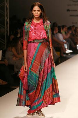 krishna-mehta-brings-maheshwari-fabric-into-limelight