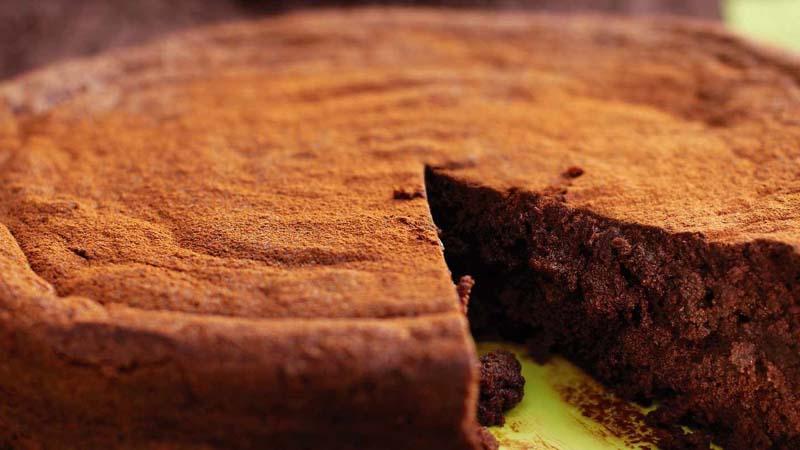 Flourless chocolate truffle cake with amaretto cream
