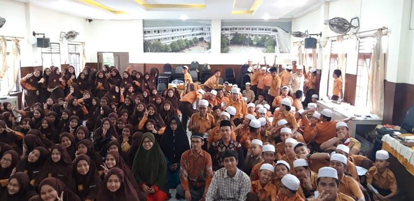Siswa siswi SMP Swasta An-Nizam belajar Metode Tikrar bersama syamil qur'an