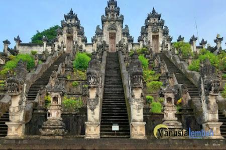 """Pura Lempuyang Luhur, """"Gerbang Surga"""" Fotogenik di Pulau Dewata"""