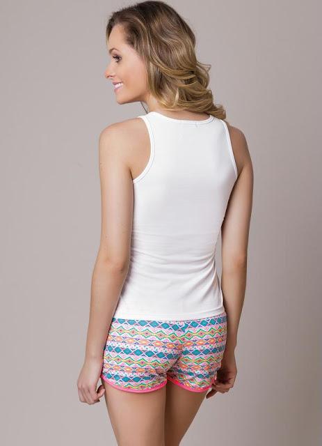 Tenha ótimas noites com esse pijama branco com estampa