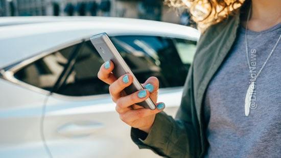 passageira insultada motorista aplicativo corrida indenizada
