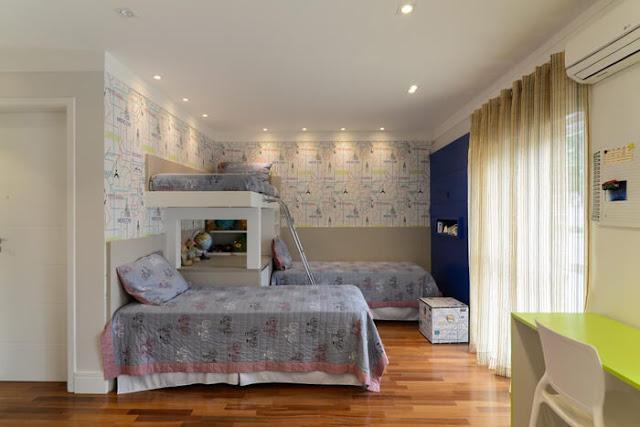 quarto-infantil-com-tres-camas-