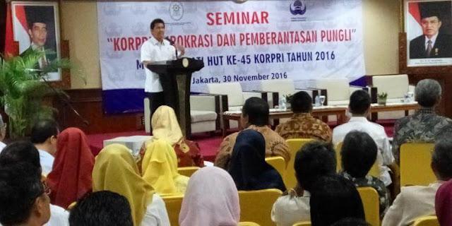Menteri PAN-RB: Rekrutmen CPNS 2017 Tidak secara Massal
