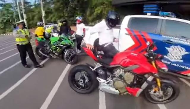 Viral Knalpot Standar Ducati Kena Tilang, Begini Akhirnya…