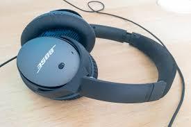 who makes better noise cancelling headphones: Bose or Sennheiser?
