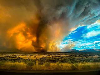 https://commons.wikimedia.org/wiki/File:Loyalton,_California_Fire_Tornado-2020-08-16.jpg