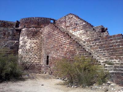 lakhpat fort, लखपत क़िला