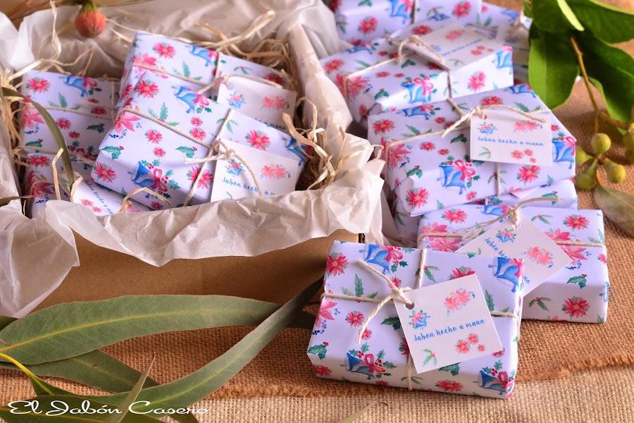 Regalos navidad cajitas con jabones artesanales
