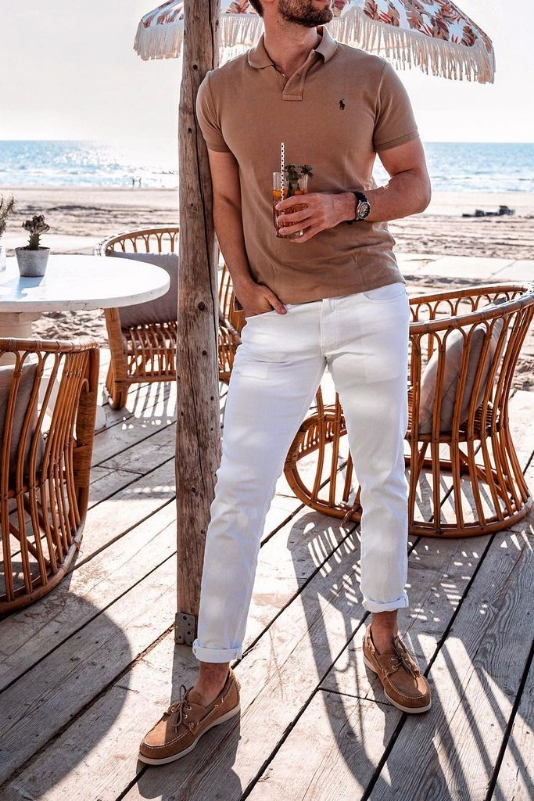 White jeans with a polo t-shirt