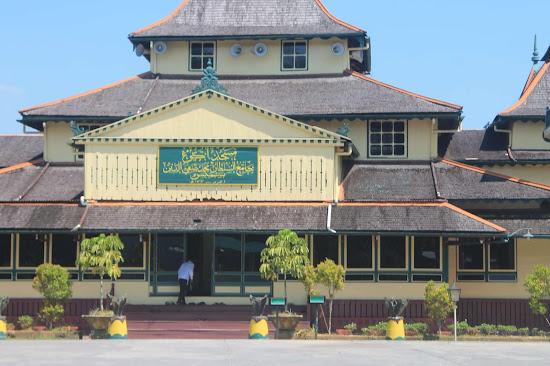 Masjid Jami Keraton Sambas 2 - Catatan Nizwar ID