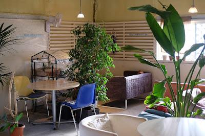 諏訪のカフェ Blue Line Garage Cafe 18 インテリア・内装
