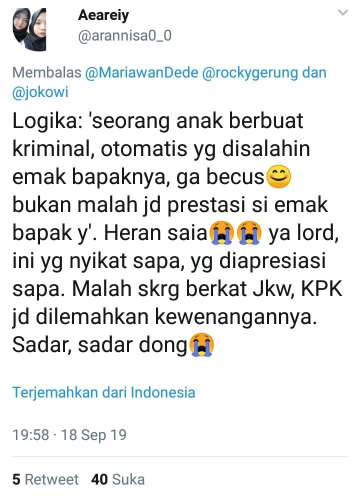 Jokowi Dipuji karena Menpora Tersangka, Netizen Sampaikan Argumen Cerdas