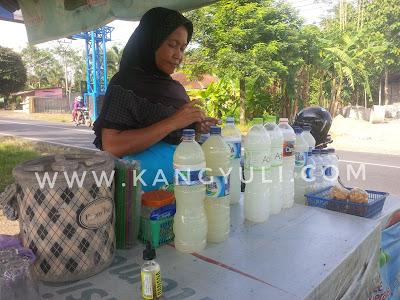 penjual nira kelapa