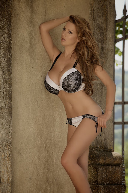 sexiest-Jordan-Carver-Fairy-Tale-hot-photo-shoot-picture-12
