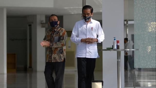 """Kepentingan Jokowi Terendus, """"Kok Haji Dibatalkan, tapi Pilkada Tetap Digelar, Jangan-Jangan…"""