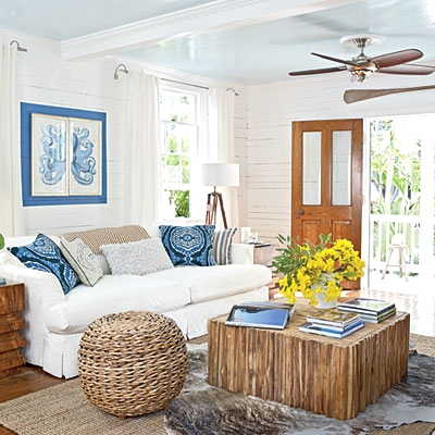 Key west cottage living decorating completely coastal for Cottage home decorations
