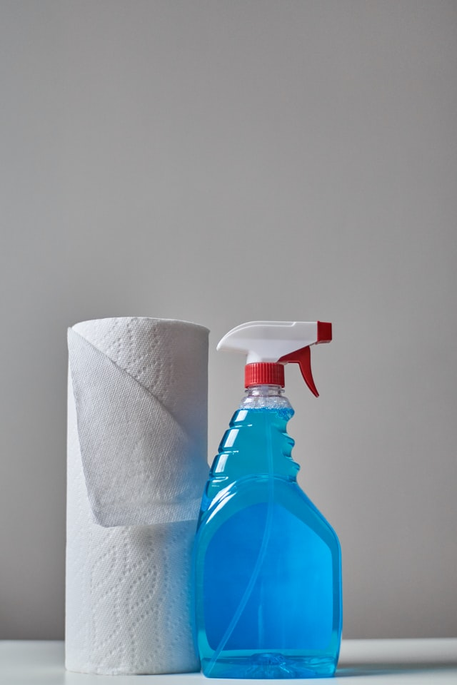 truques para limpar os vidros de casa