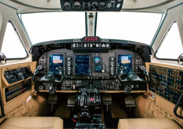 Beechcraft King Air 350i cockpit