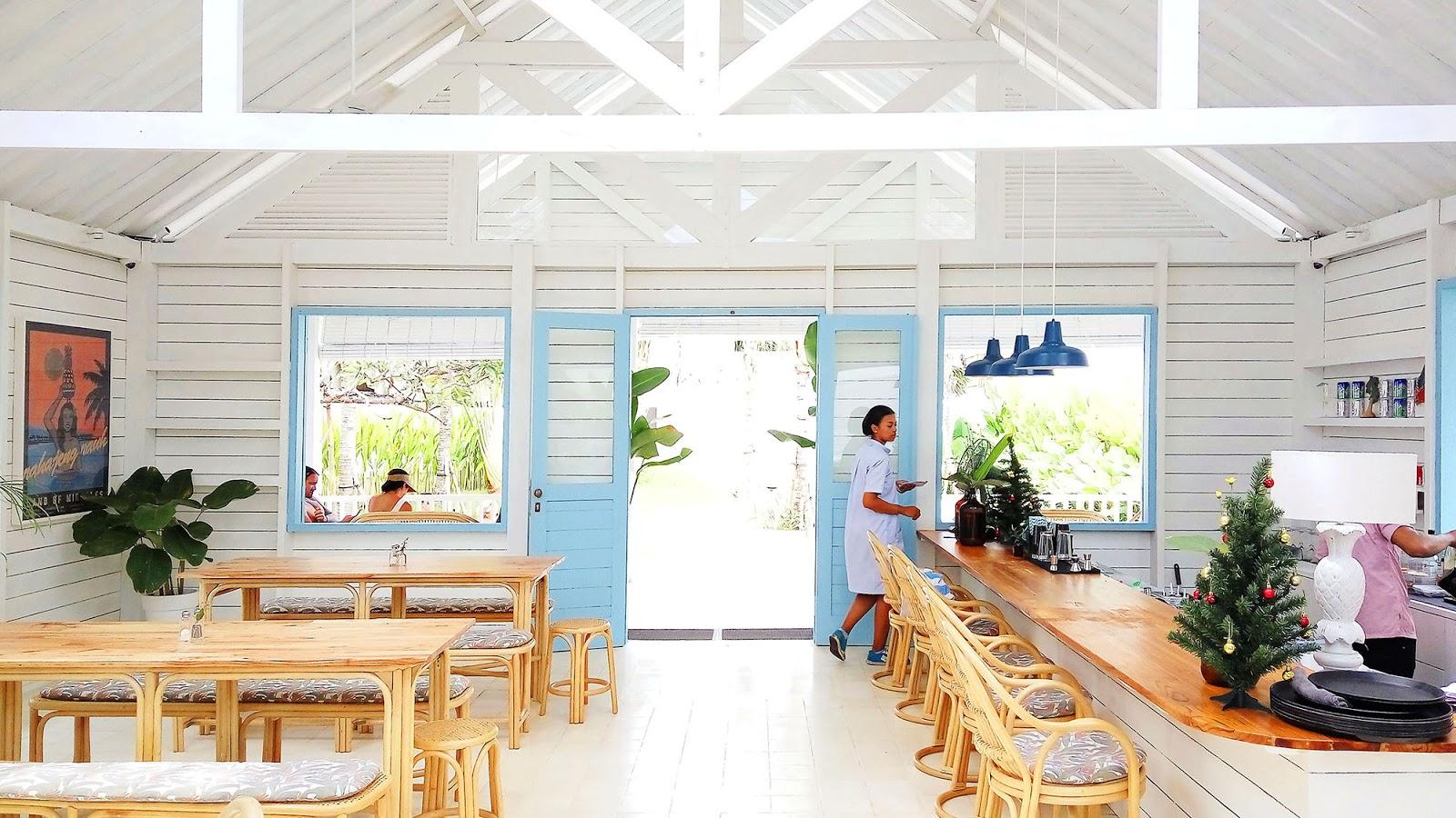 Random Day: Panama Kitchen & Pool