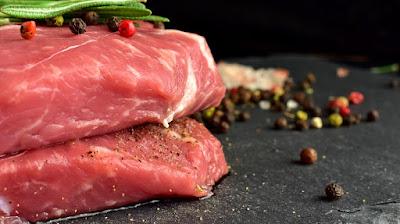 Diet debm dan keto mengandalkan daging