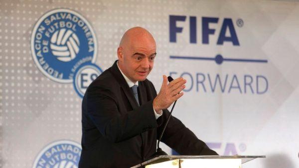 FIFA condiciona reanudación de torneos a fin de crisis por Covid-19