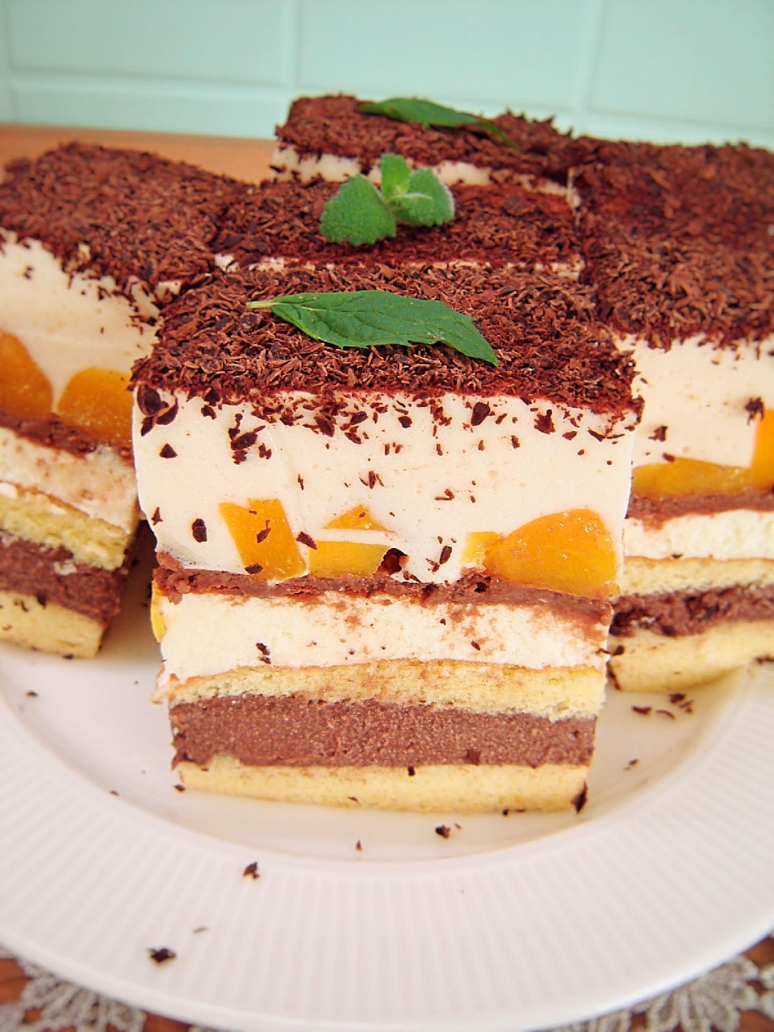 Ciasto z budyniem, serkiem homogenizowanym i brzoskwiniami