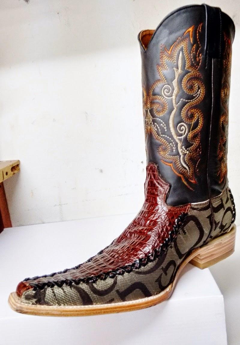 e4c77a7d0 botas de piel de cocodrilo