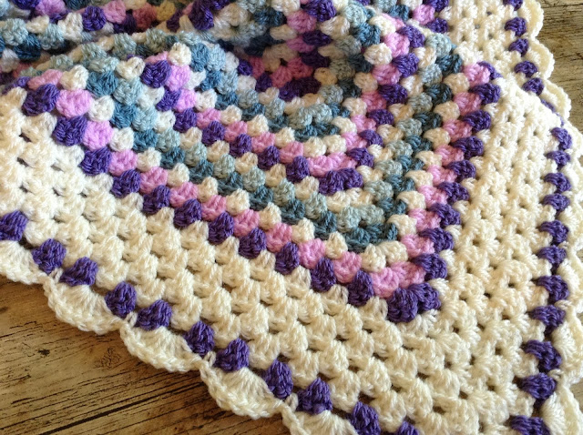 Lullaby Lodge: How to add a simple shell border to a granny