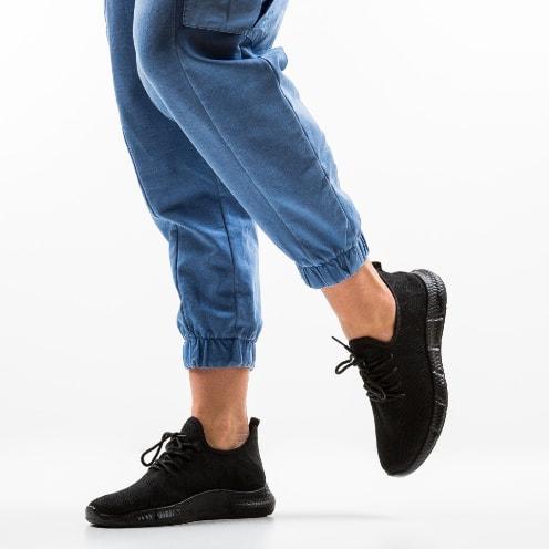 Pantofi sport negri din material textil foarte usori