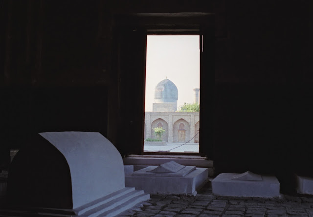 Ouzbékistan, Samarcande, Mausolée Rukhabad, © Louis Gigout, 1999