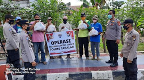 Ops Bina Kusuma Lipu 2021, Polres Takalar Sambangi 2 Lokasi dan Bagi Sembako