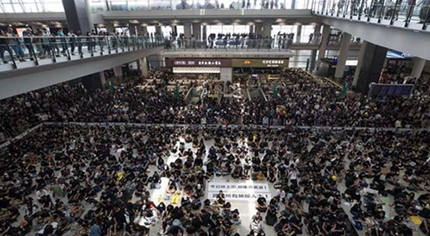 China Serukan Hukuman Berat bagi Demonstran di Hongkong