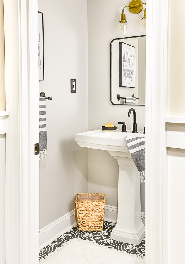 Vintage Chic Half Bathroom Updates Little House Of Four Creating A Beautiful Home One Thrifty Project At Time
