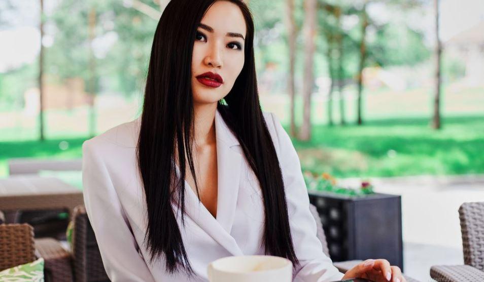 NaomiYuu Model GlamourCams