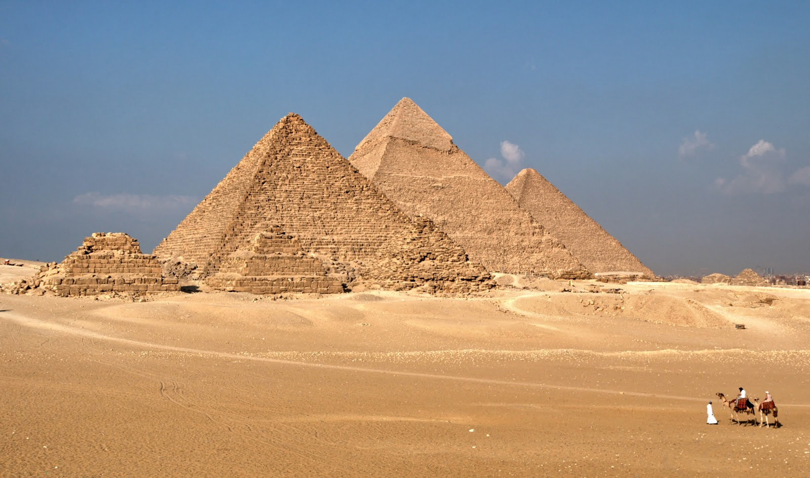 egyptian pyramids and holiday Design an egypt tour to meet your interests and  marvel at the magnificent structures in the giza pyramids and great  relaxing holiday in egypt .