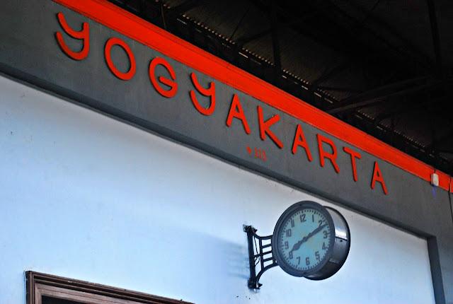 train ride from Yogyakarta to Jakarta
