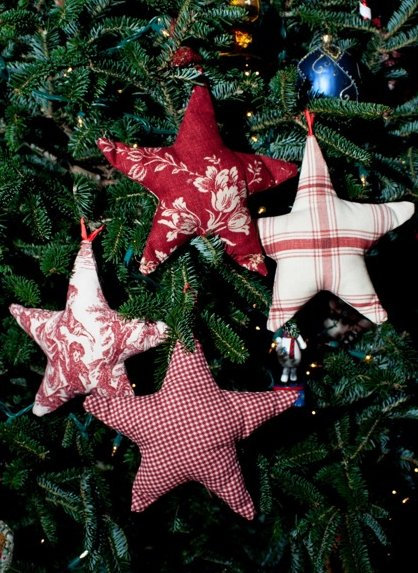 Better Budgeting: Homemade Christmas Ornaments: Fabric Stars