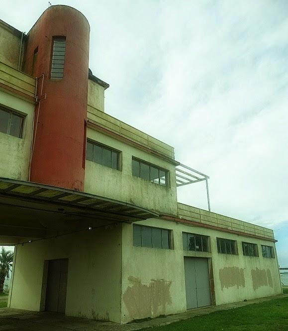 Prédio Abandonado no Porto Municipal de Santa Vitória do Palmar