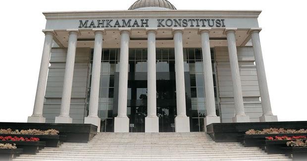 10 Kewenangan Mahkamah Konstitusi (MK) Berdasarkan UUD ...