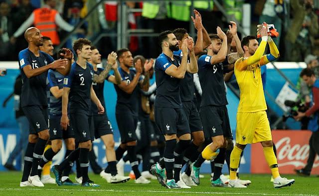 Prancis berterimakasih atas dukungan pemain ke-12 mereka (foto.kompas.com)