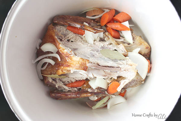 easy recipe to make flavorful homemade turkey broth