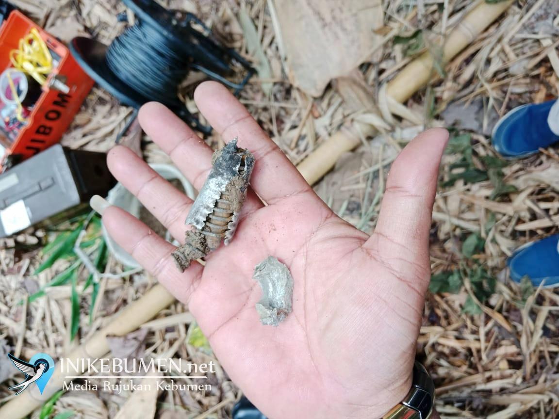 Granat Nanas Aktif yang Ditemukan Warga Sumberadi Kebumen Dimusnahkan