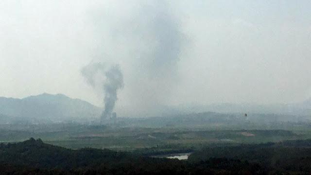 Triều Tiên nổ sập văn phòng liên lạc và đe dọa Hàn Quốc