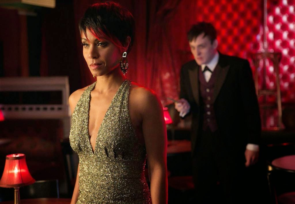 Jada Pinkett Smith as gang boss Fish Mooney with Robin Lord Taylor as her right hand man Oswald Cobblepot in Fox Gotham Pilot episode
