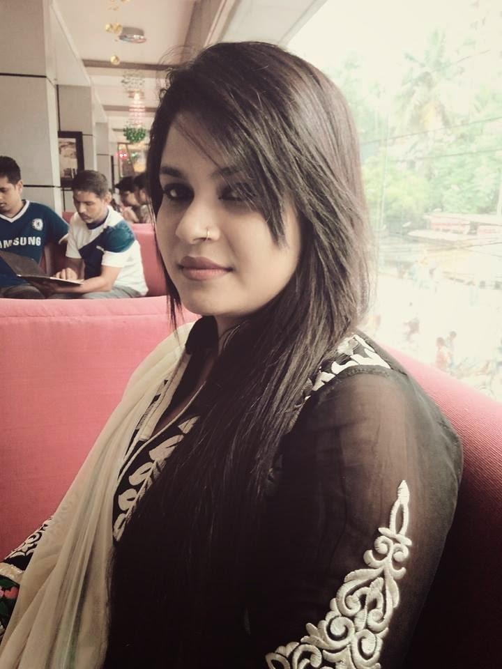 Indian Desi Muslim Girls Hot Photos - Beautiful Desi Sexy -8492
