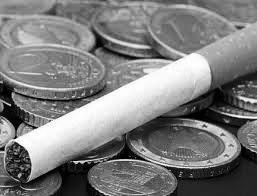 La cartera que maneja Alfonso Prat-Gay elevó los impuestos internos. La industria tabacalera advirtió que la medida provocará más inflación y afectará el nivel de actividad en esa importante economía regional.