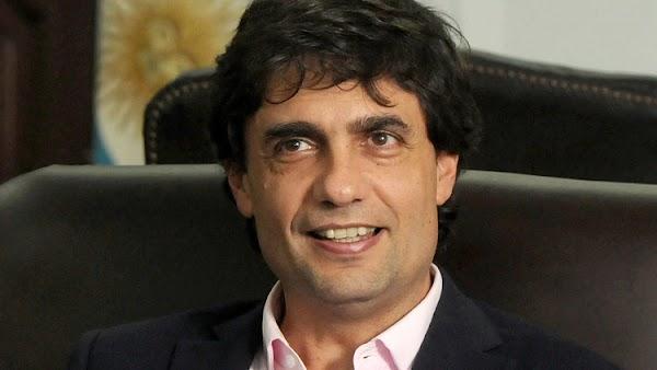 En medio de la crisis económica, Hernán Lacunza le pagará a asesores más de $200 mil